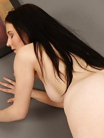 Pantyhose-clad brunette teases her sweet pussy hole for the viewer